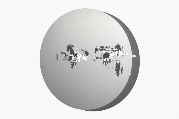 Schatten   Raum, Scheibe VII, 2012 Aluminium, Aussparung gesägt, eloxiert, Ø 720 x 3 mm (Foto: René Schäffer)