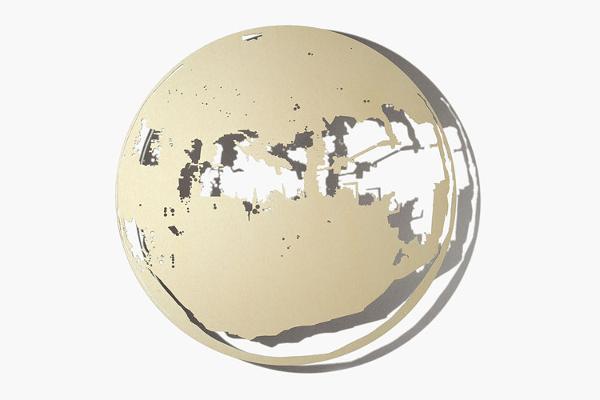 Schatten | Raum, Scheibe X, 2012 Aluminium, Aussparung gesägt, eloxiert, 480 x 3 mm (Foto: René Schäffer)